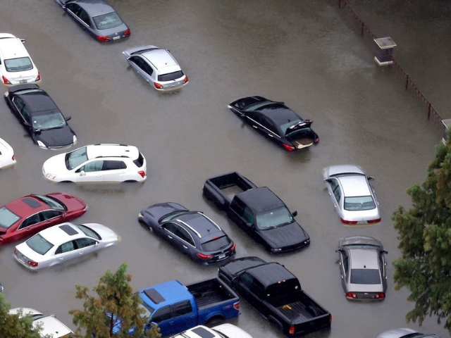 Tips for avoiding Flood Damaged Used Vehicles